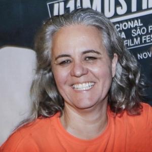 """Heloísa Passos, diretora de """"Construindo Pontes"""""""