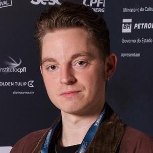 "Niels Holstein Kaa, diretor de ""Amantes"""