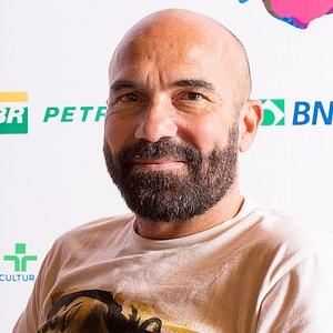 """Sergio Candel """"A Moça, A Babá, O Neto Bastardo e Emma Suárez"""""""