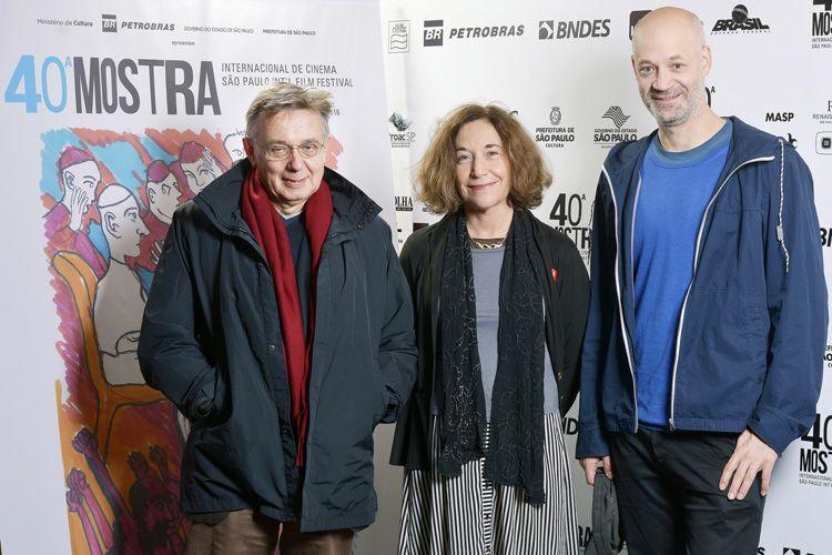 Equipe do filme Bickels [Socialism] - Heinz Emigholz (direção), Galia Bar Or (roteiro) e Till Beckmann (montagem e fotografia)