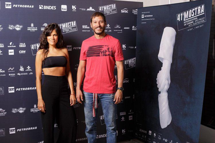 Valentina Gómez e Alexander Betancur, atores do filme Sete Cabeças