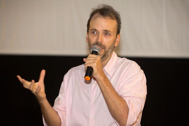 Cine Caixa Belas Artes 3 / Lula Buarque, diretor de O Muro, apresenta seu filme