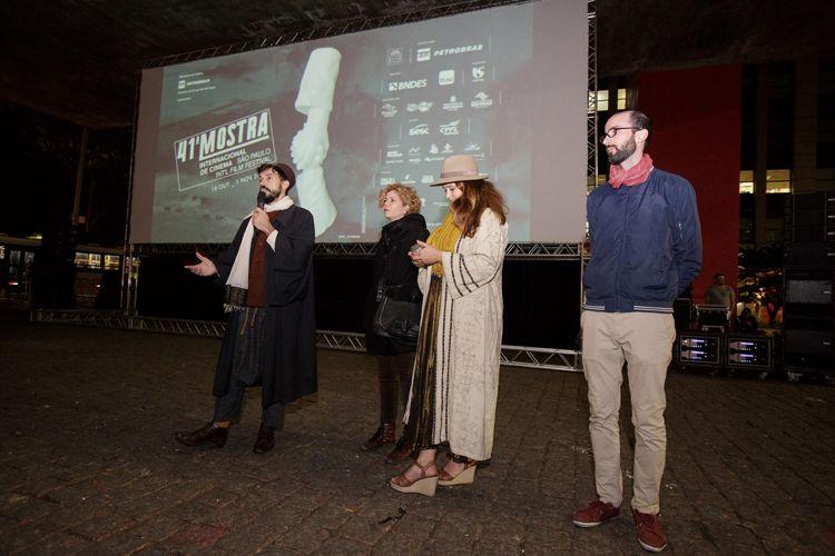 Vão Livre do Masp / Equipe do filme Híbridos, os Espíritos do Brasil, apresenta seu filme