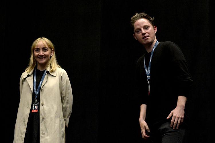 Instituto Moreira Salles – IMS / Rikko Tambo Andersen (produtora) e o diretor do filme Amantes, Niels Holstein Kaa, presentes na sessão