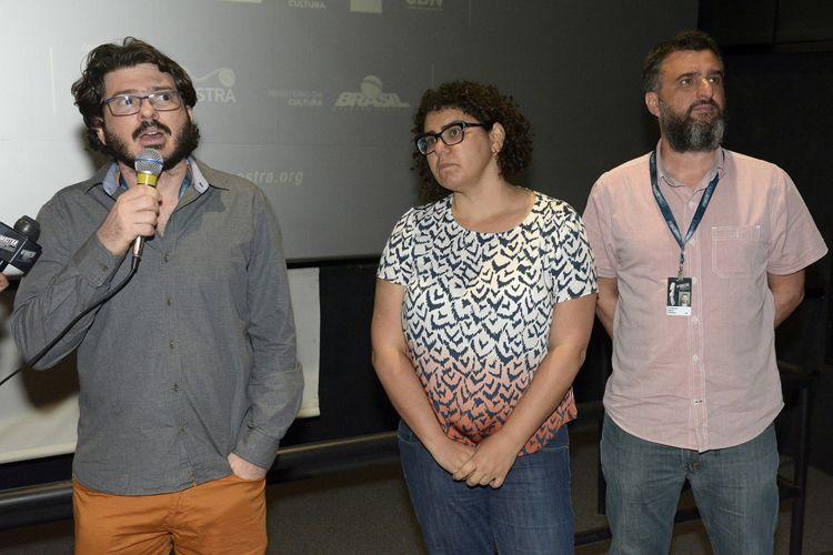 Reserva Cultural 2 / Fernado Weller apresenta seu filme Em Nome da América ao lado dos produtores Carol Ferreira e Luiz Barbosa