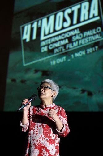 Vão Livre do Masp / Exibição do filme O Homem Nu, de Roberto Santos / Olga Futemma, diretora da Cinemateca Brasileira, apresenta a sessão