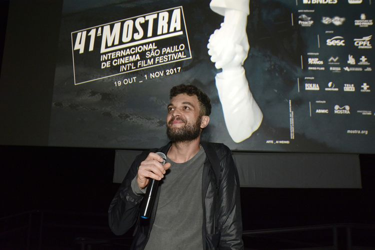 Espaço Itaú de Cinema – Frei Caneca 3 / Ismael Caneppele apresenta seu filme Música para Quando as Luzes Se Apagam