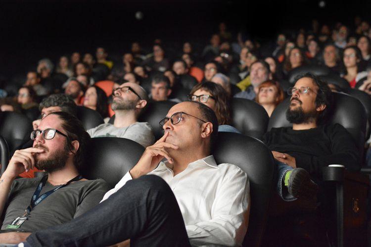 Espaço Itaú de Cinema – Frei Caneca 2 / Ahmad Kiarostami na plateia, durante a exibição do filme 24 Frames, de Abbas Kiarostami