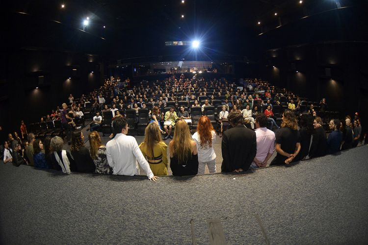 Cinesesc / Helena Ignez, diretora de A Moça do Calendário, apresenta a sessão de seu filme junto à equipe