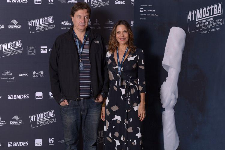 Marco Abujamra, diretor de Paulo Autran - O Senhor dos Palcos, e a produtora do filme, Mariana Arruda Marinho