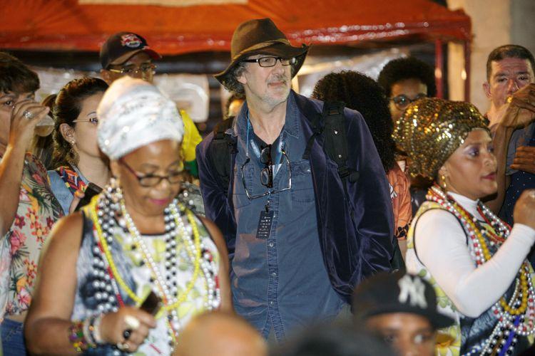 Ensaio da Escola de Samba Vai-Vai / Dan Mirvish, diretor de Bernard e Huey