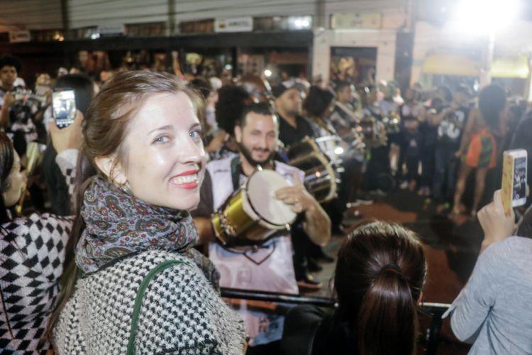 Ensaio da Escola de Samba Vai-Vai / Terje Toomistu, diretora do filme Hippies Soviéticos