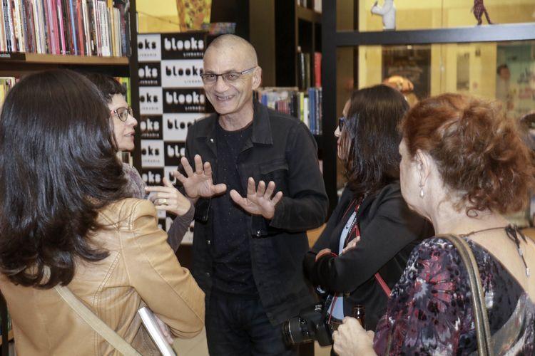 Livraria Blooks / Lançamento do livro As Paixões da Narrativa: a Construção do Roteiro de Cinema, de Hermes Leal