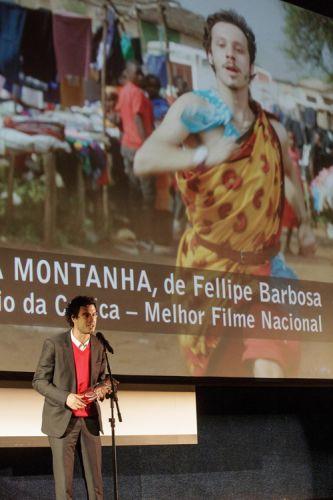 Cinearte 1 / Prêmio da Crítica de Melhor Filme Brasileiro para Gabriel e a Montanha, de Fellipe Barbosa (Brasil, França). O diretor fala ao público ao receber o prêmio