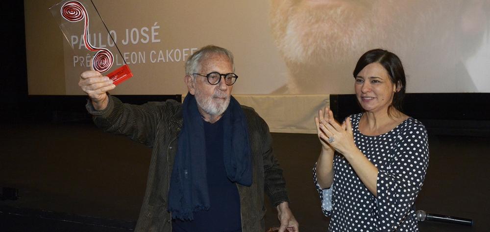 """""""A força do teatro, do cinema e da TV me mantém vivo"""", diz Paulo José ao ganhar o Prêmio Leo..."""