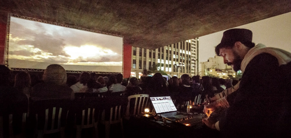 Performance de Vincent Moon e Priscilla Telmon abre as sessões no vão-livre do Masp